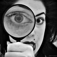 FCA - Magnifying glass woman